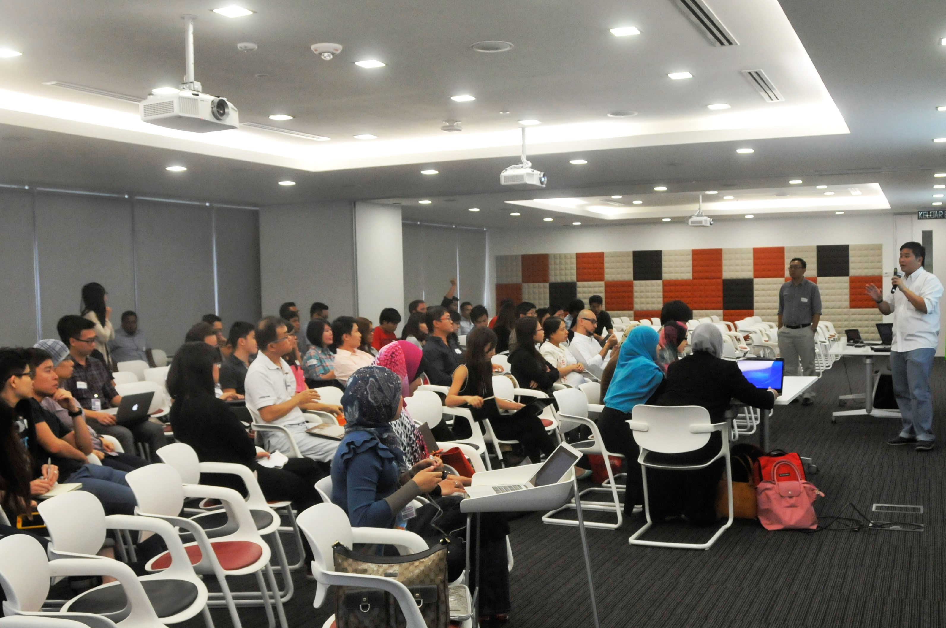 UX Malaysia 2013 - User Testing workshop by Alvin Chai